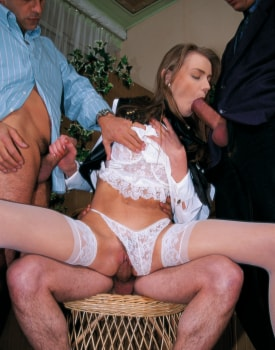Ines Shows her Perfect Ass at the Private Casting -6