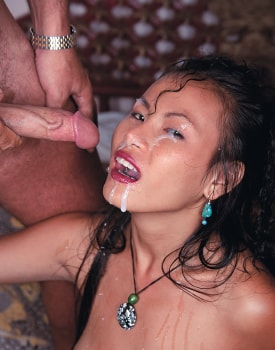 Mame Yong, Oriental Lust, Shows everything at the Private Casting-11