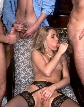 Alona, Sexplosive Blonde at the Private Casting-10